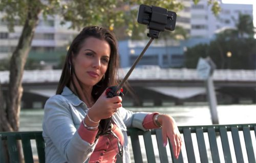 the_ultimate_selfie_stick_1