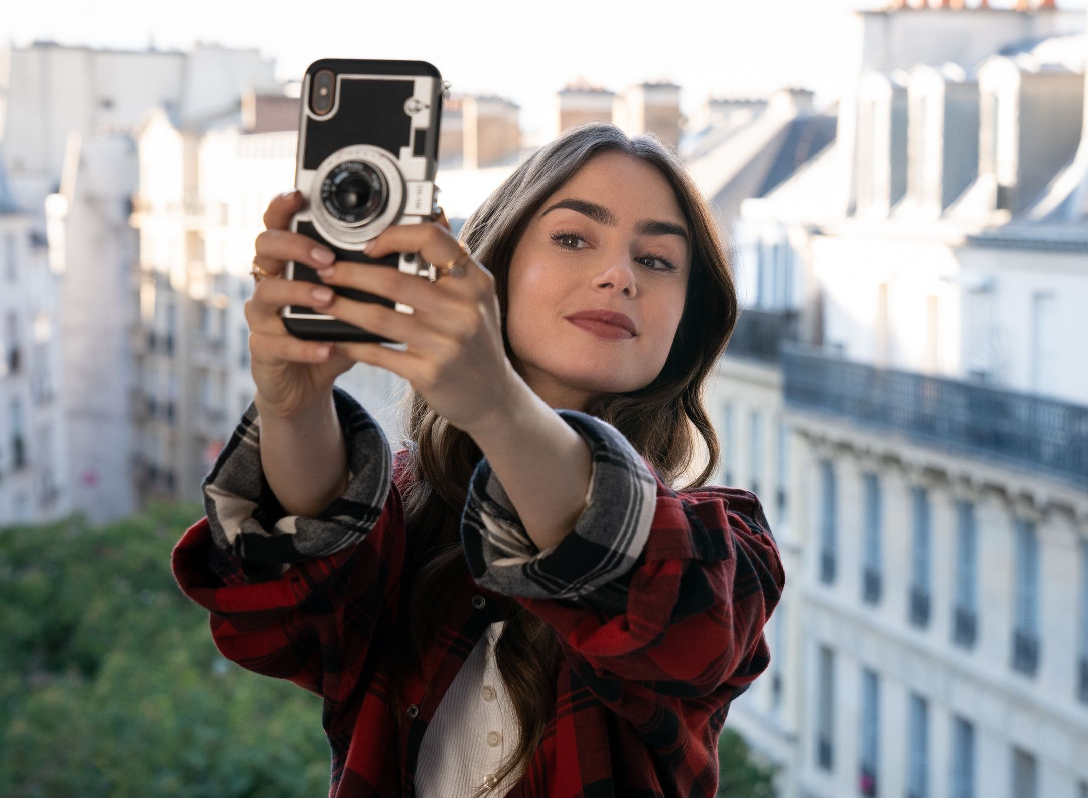 emily-in-paris-phone-case